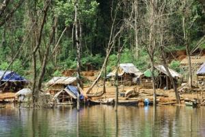 Transient Burman workers in Karen State