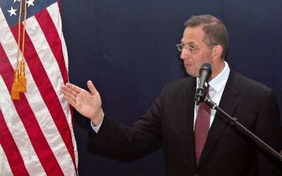 Photo of US Envoy wants Burma government to investigate rights abuses in ethnic areas
