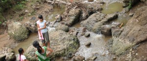 Htee Nu stream in Mae La camp