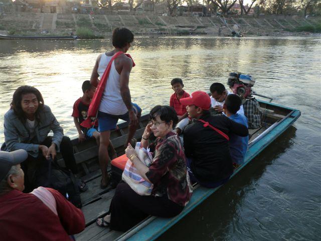 Photo of Burma exiles take-up President Thein Sein's invite to return home