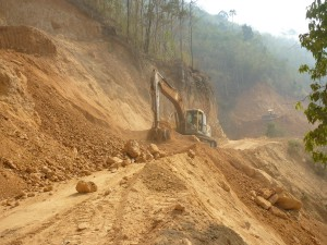 Dawei-Kan road on construction (photo-Kwekalu)