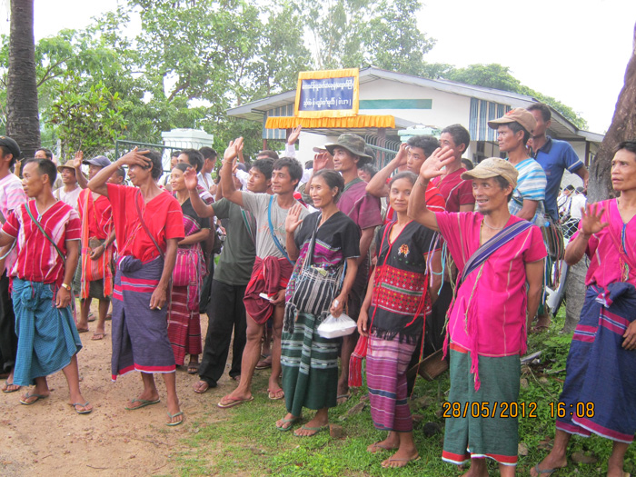 Photo of Displaced Karen people request aid from Norway's deputy FM