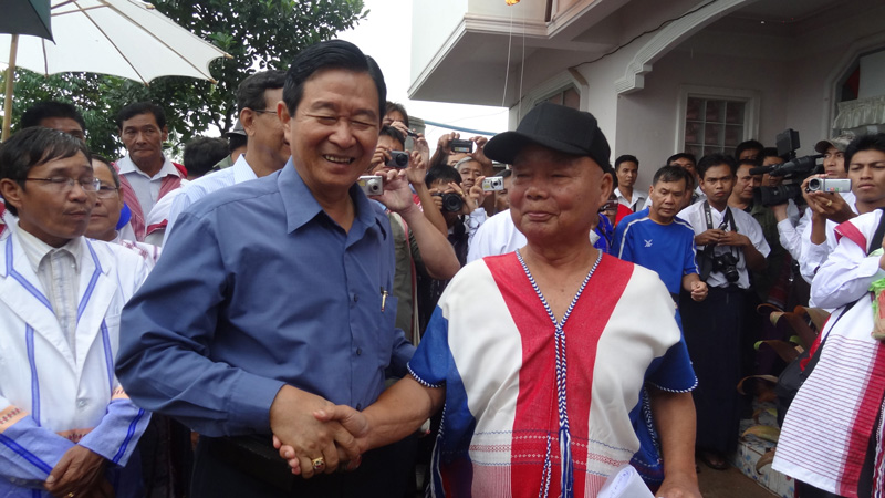 Photo of 600 attend KNU opening of its fourth liaison office