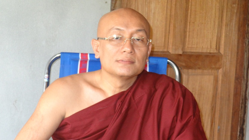 Photo of Monk sends Karen New Year 2013 blessings to all