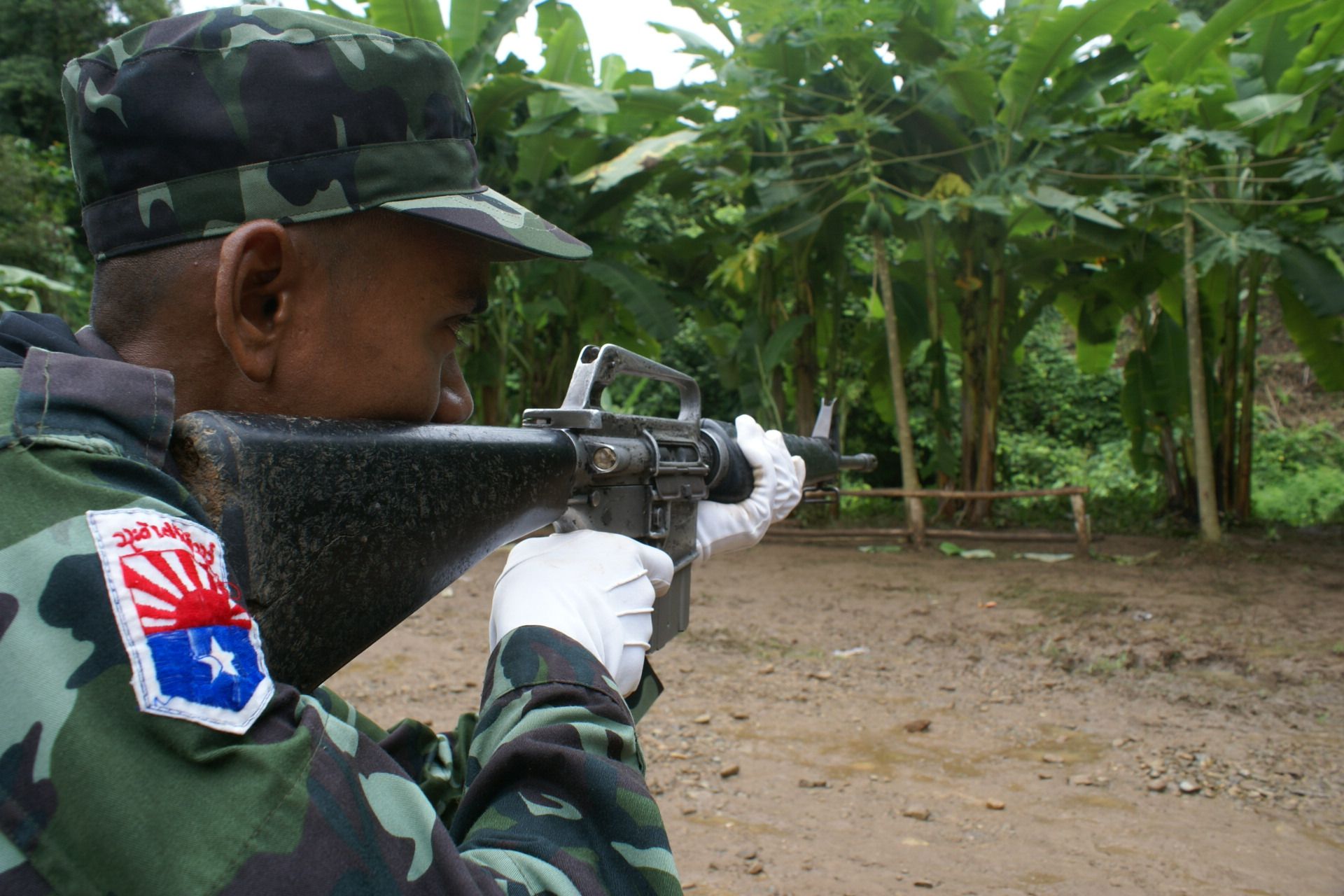 Photo of KNU army and Govt's militia clash – both sides blame each other for shooting first