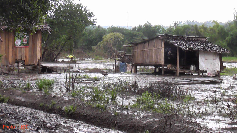Photo of Floods destroy 17 houses in Kyauk Khet village