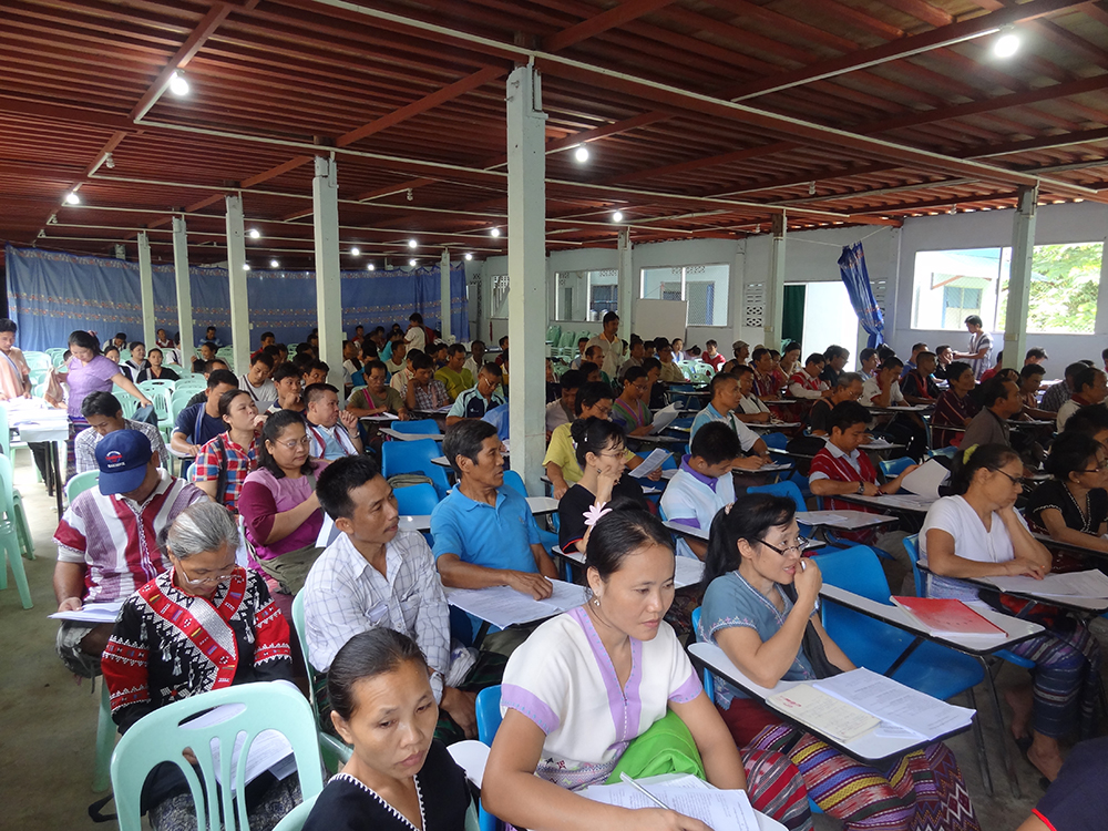 Photo of KNU explains its ceasefire and peace building process to refugees