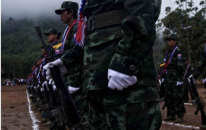 Photo of Karen Armed Groups Drop Military Parades For 2014 New Year Celebrations