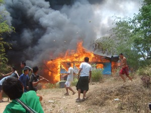 Mae La Camp on Fire (FILE PHOTO/Karen News)