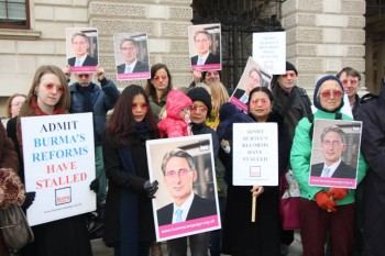 Rose-tinted glasses hand-in at British Foreign Office 3rd February 2015 (Photo-Burma Campaign - UK)