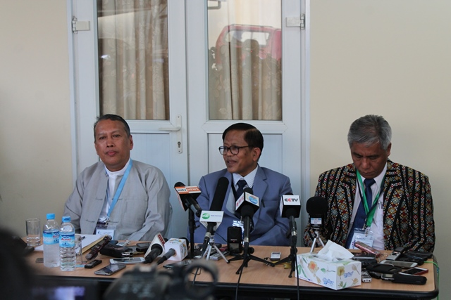 Photo of Govt Ready to Sign Nationwide Ceasefire Agreement – Armed Groups Want Ethnic Leaders Summit to Ratify Wording Before Committing Pen-to-Paper