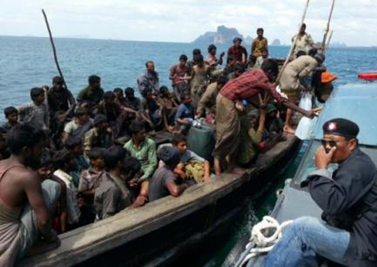 Photo of HRW: Rohingya Asylum Seekers Cast Adrift by Thailand, Malaysia and Indonesia