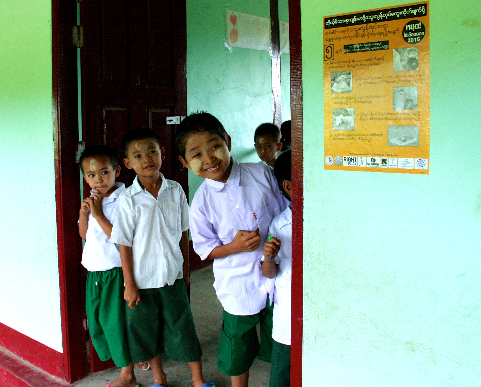 Photo of Border School Fights To Protect Its Students From Dengue Fever