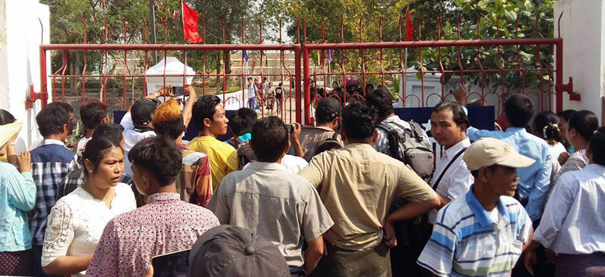 Photo of Burmese Courts Free Student Activists After Suu Kyi Makes Political Prisoners a NLD Priority