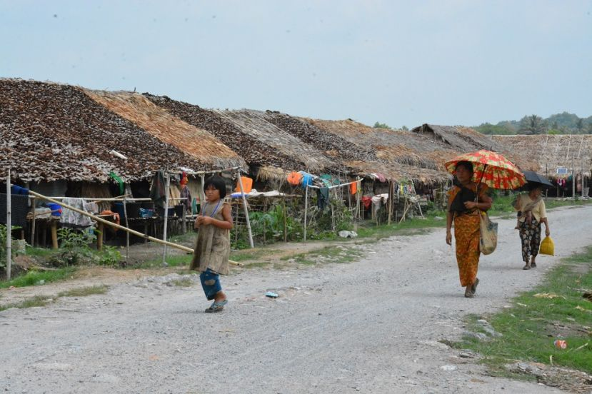 Photo of Myaing Gyi Ngu IDP's Temporary Shelter in Need of Roof Repair, Supplies