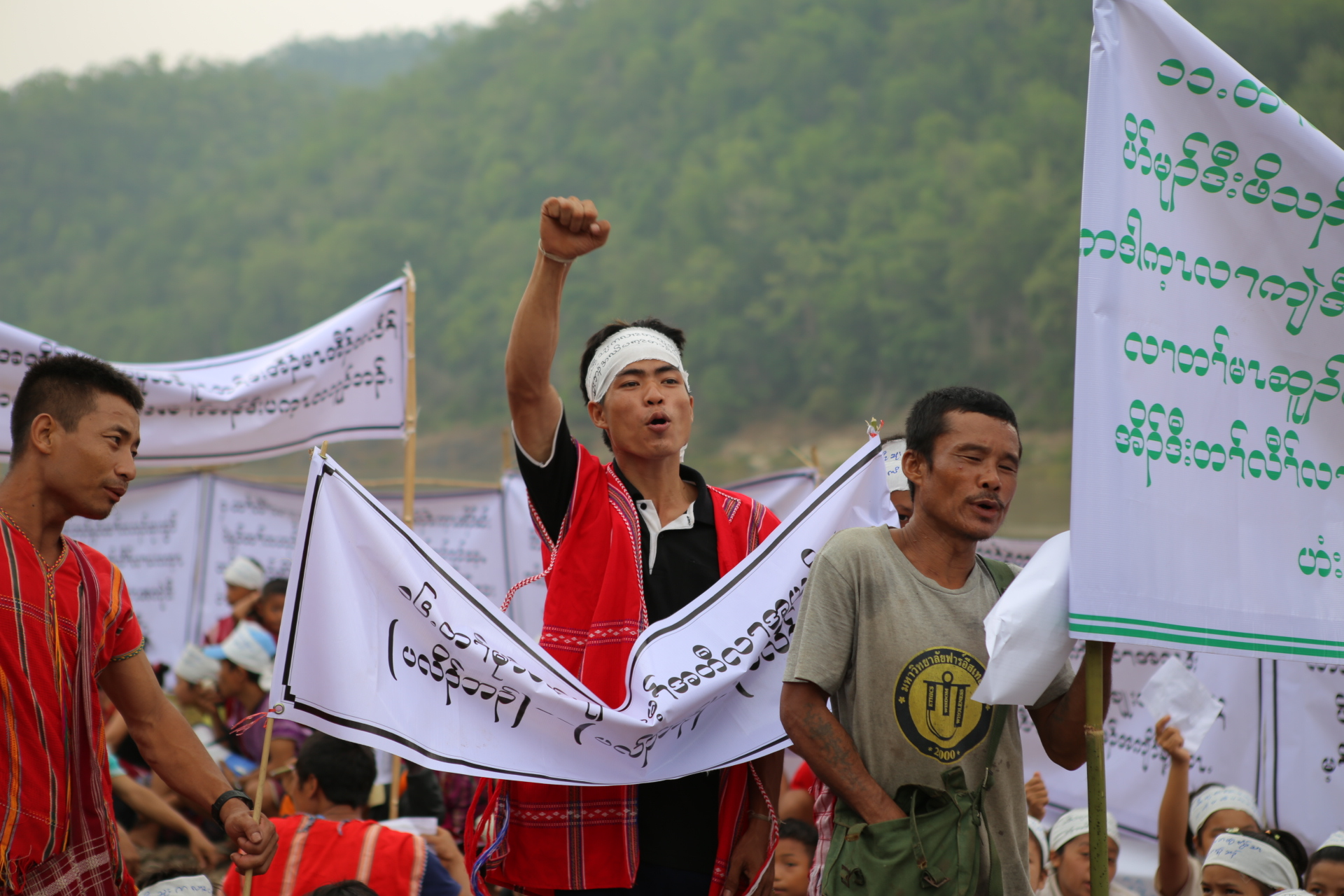 Photo of KNU Support Displaced Villagers Demand for the Closure and Redeployment of 17 Burma Army Camps and Soldiers