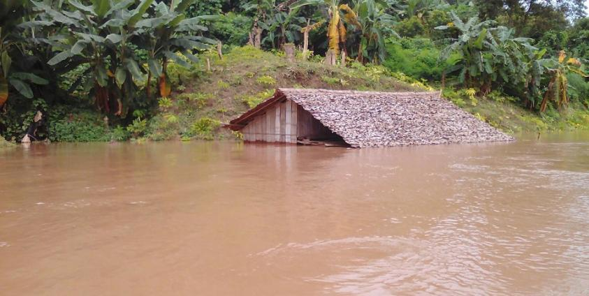 Photo of Salween River Flood Damages Homes at Ei Tu Hta IDP Camp