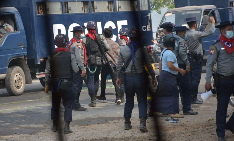 Photo of 61 People Arrested as Security Forces Use Tear Gas, Water Cannons and Live Ammunition in Karen State Anti-Coup Protests